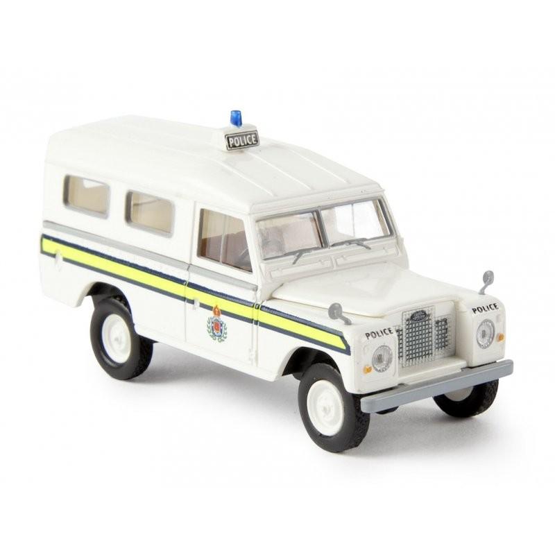 Brekina Land Rover 109 Station, Police Guernsey (Restmenge)
