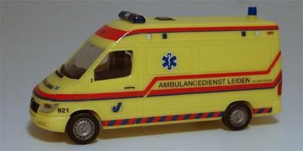 Herpa Mercedes Benz Sprinter Ambulance Leiden (Einzelstück)