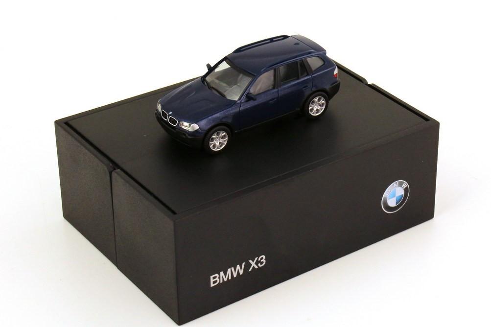 Herpa BMW X3  mysticblau-metallic in BMW-Klappbox