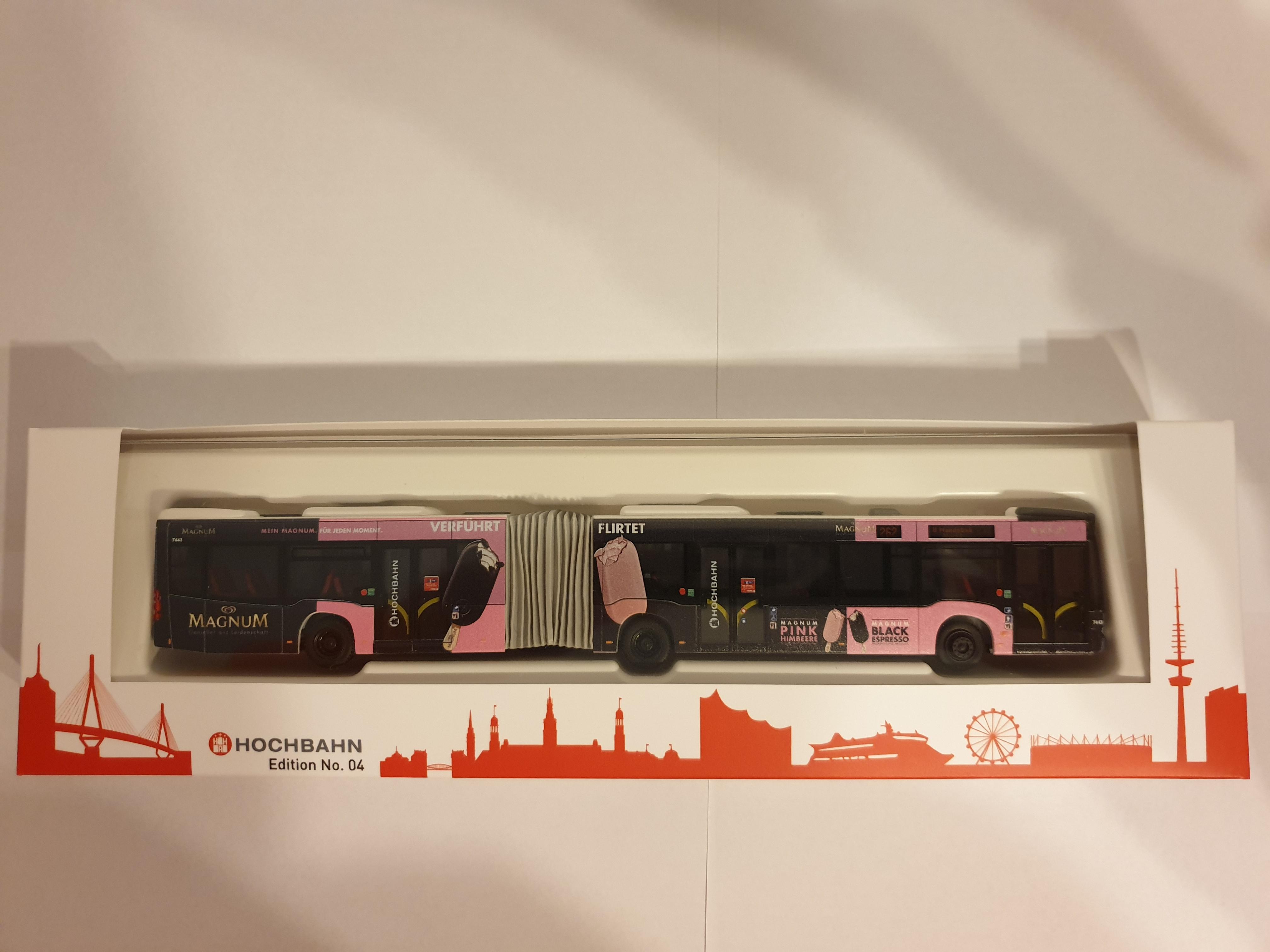 Rietze MB Citaro G12 Hamburger Hochbahn Edition 04 mit MAGNUM Eis Werbung - Wagennummer 7443- Zielanzeige Linie 262