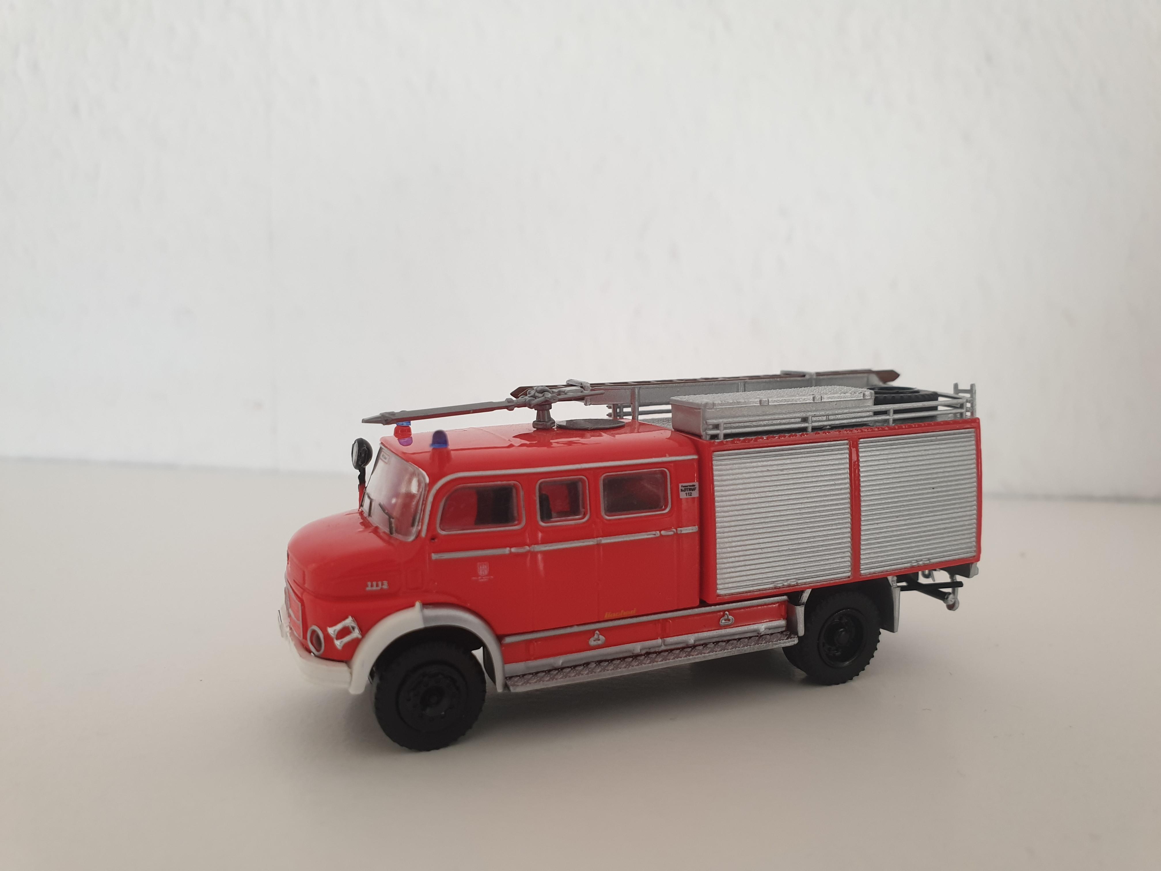Brekina MB LAF 1113 TLF 16/25 Feuerwehr Hamburg Ottensen (BF)