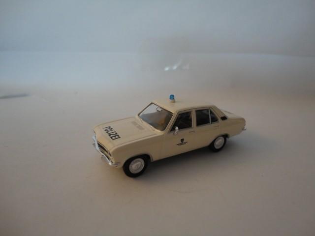 Brekina Opel Ascona A Polizei Wiesbaden