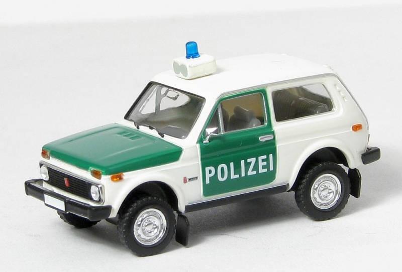 Brekina Lada Niva Polizei TD (Restmenge)