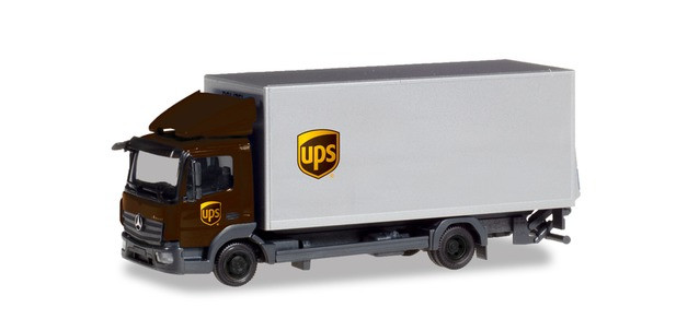 "Herpa MB Atego Koffer-LKW mit Ladebordwand ""UPS"""