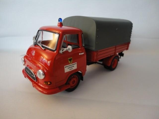 Minichamps Hanomag Kurier Pritsche Feuerwehr Dortmund