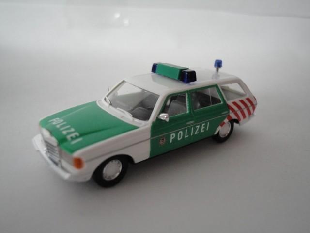 Busch MB W 123 Verkehrsdienst-Polizei
