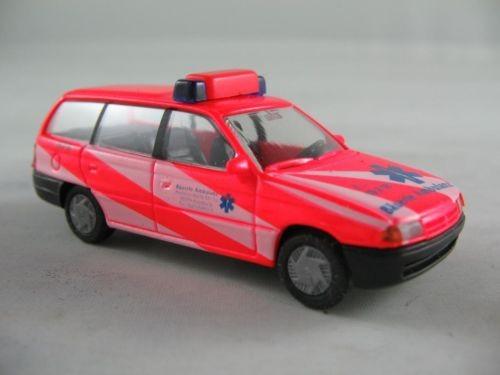 """Rietze Opel Astra F Caravan (1994) """"Bäuerle Ambulanz"""" (Einzelstück)"""