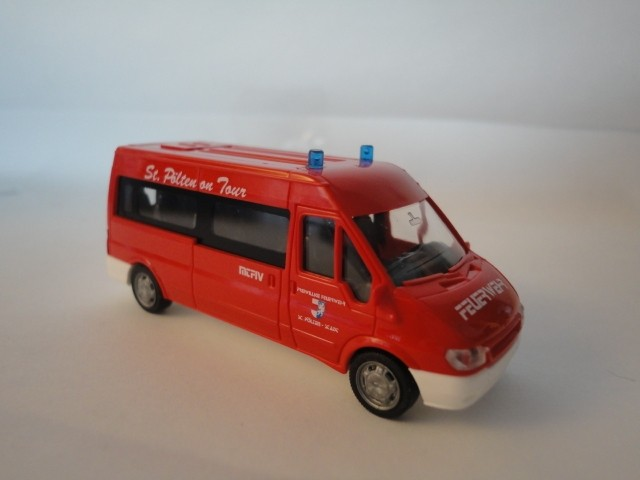Rietze Ford Transit Bus Feuerwehr St. Pölten (A) -Einzelstück-