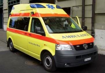 Rietze VW T5 LR Hornis KTW Ambulance Bern (CH)