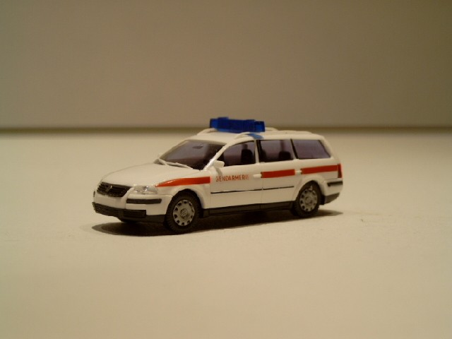 AWM VW Passat Variant Gendarmerie