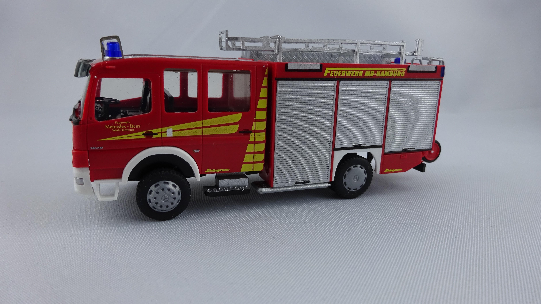 Rietze MB Atego 04 HLF 10/6 WF Daimler Chrysler Hamburg