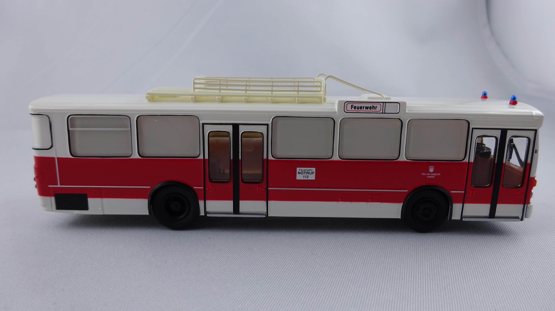Brekina MB O 305 GRTW Feuerwehr Hamburg, Serienmodell, 2. Version