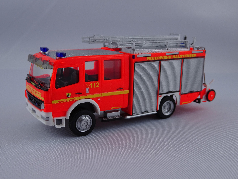 Rietze MB Atego 04 HLF Feuerwehr Halstenbek