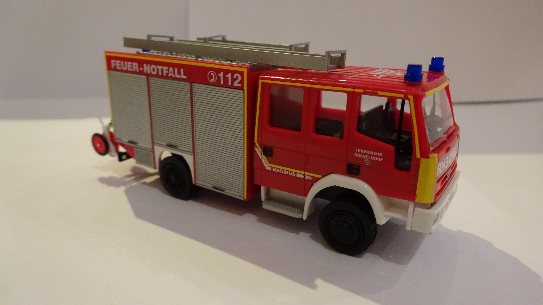 Rietze IVECO EuroFire LF 16/12 Feuerwehr Düsseldorf (Reservefahrzeug