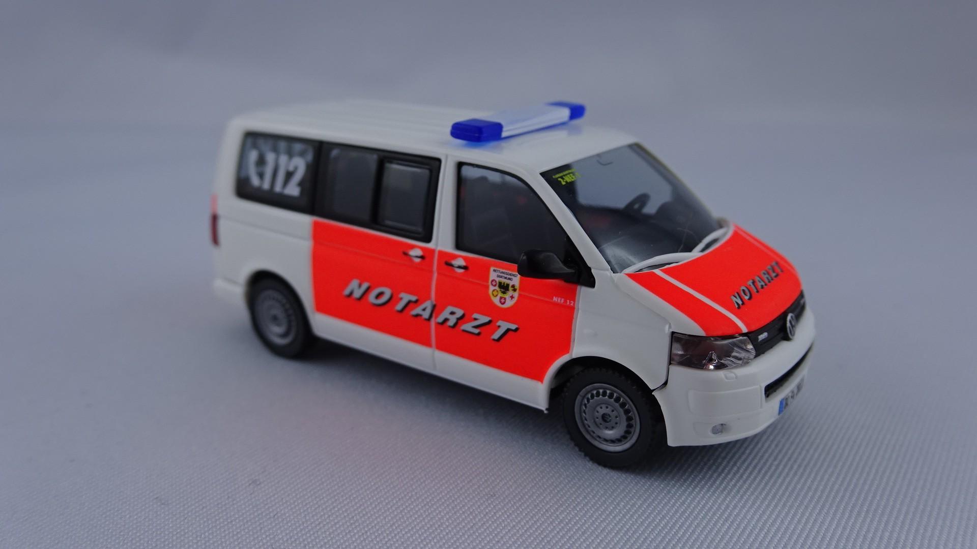 Wiking VW T5 GP NEF 12 ( 2-NEF-1 ) Feuerwehr Dortmund (BF), Sondermodell