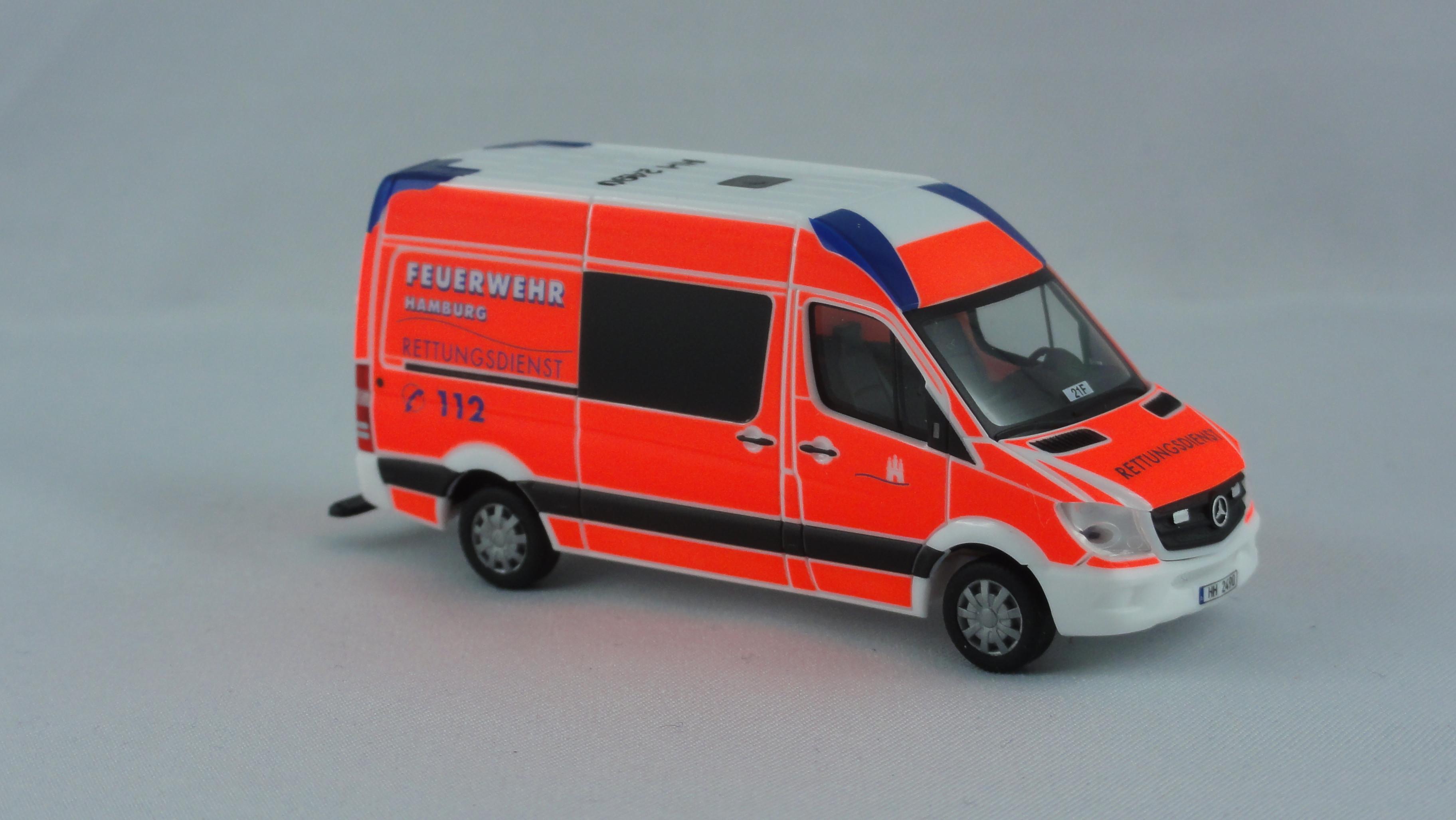 Herpa MB Sprinter 13 RTW Feuerwehr Hamburg Rahlstedt (BF)