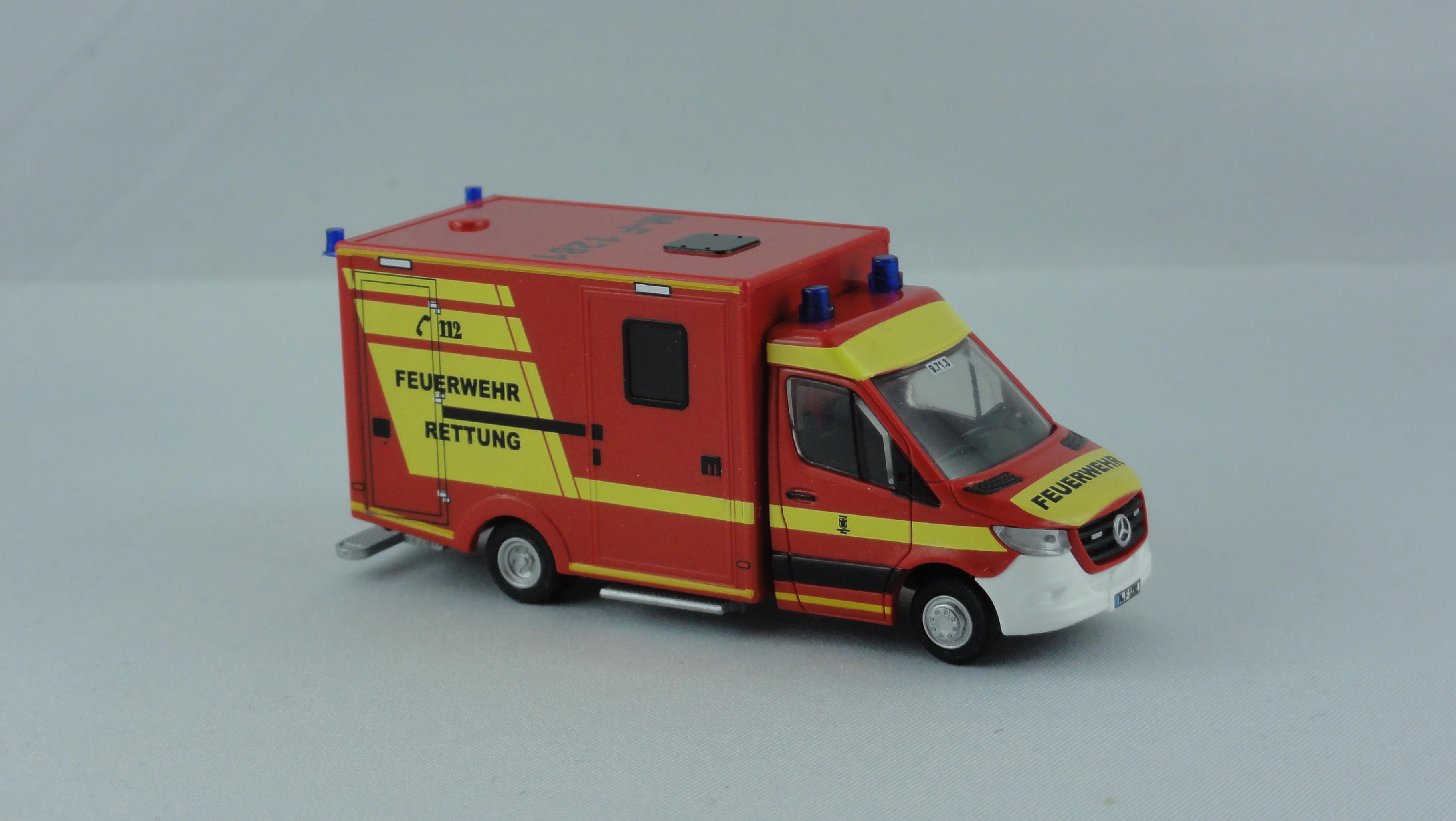 Rietze MB Sprinter 18 WAS Koffer RTW Feuerwehr(BF) München, M-F 1281, Kennung 9.71.3