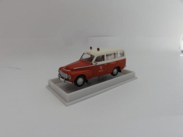 Brekina Volvo Duett Kombi KTW Falck (DK)