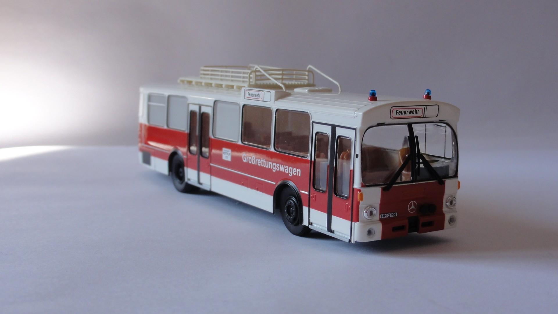 Brekina MB O 305 GRTW Feuerwehr Hamburg