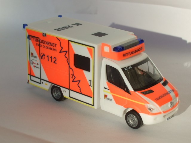 Herpa MB Sprinter 06 Fahrtec RTW BF Oldenburg