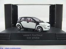 Busch Smart forfour ´04 ice white in PC-Box  -Einzelstück-