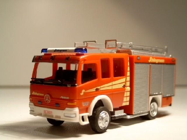 Rietze MB Atego HLF 20/16 Vorführfahrzeug Schlingmann mit Zusatz